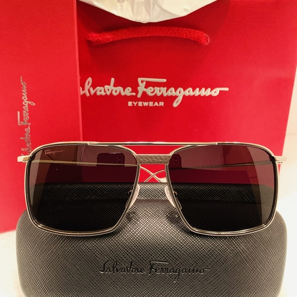Salvatore Ferragamo Other - Salvatore Ferragamo Sunglasses SF221SL color 067